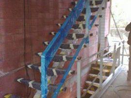 Notranja konstrukcija stopnic z eno nosilno ramo-notranje-stopnice-kljucavnicarstvo-marincic-categories_3_343