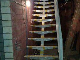 Notranja konstrukcija stopnic z eno nosilno ramo-notranje-stopnice-kljucavnicarstvo-marincic-categories_3_344