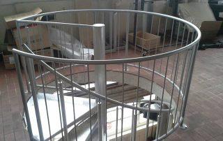 Okrogle stopnice izstopni podest-notranje-stopnice-kljucavnicarstvo-marincic-categories_3_346